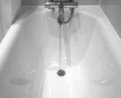 赤カビ お風呂場 取り方